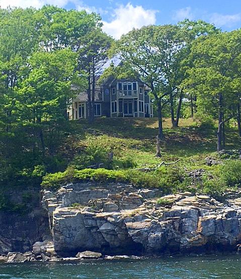 East Bay Rental Properties: Cliff Island
